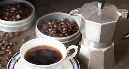 ひきたてのコーヒーをご用意しております。